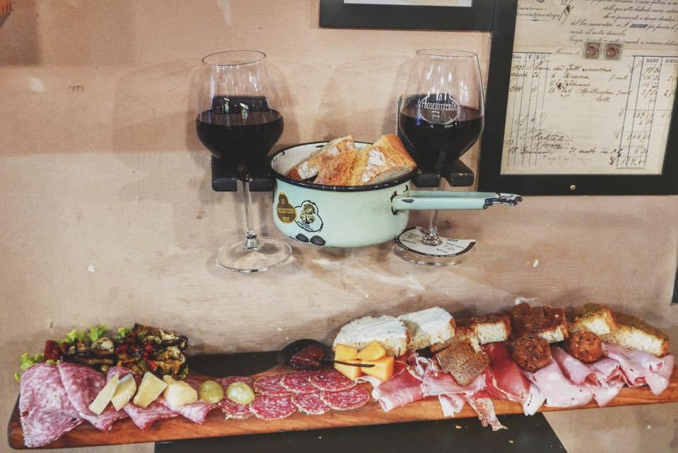 charcuterie plate from La Prosciutteria - How to experience Florence, Italy in 24 hours.