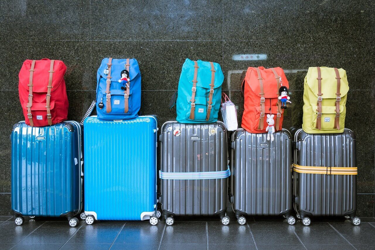 travel hacks tips advice luggage